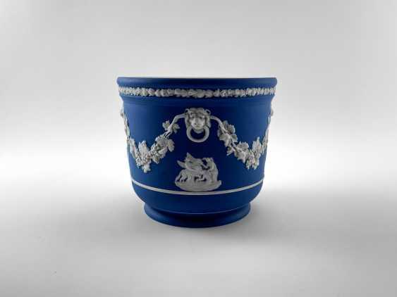 "Pots Wedgwood ""Ampelos"". Neo-classicism, England, biscuit porcelain, handmade. 1891 - 1908 - photo 3"