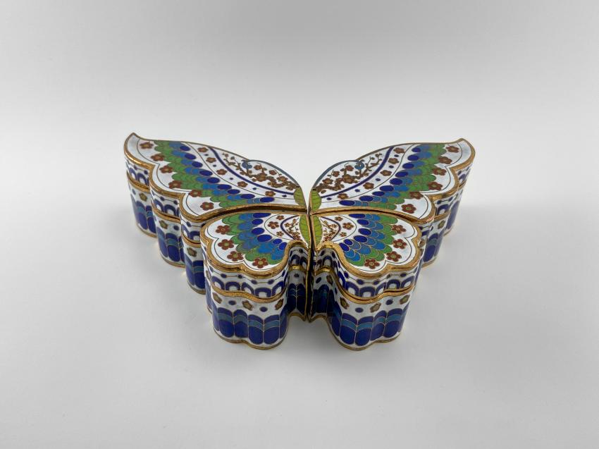 "Set of boxes ""Damon"". China, enamel, handmade, the second half of the 20th century. - photo 1"