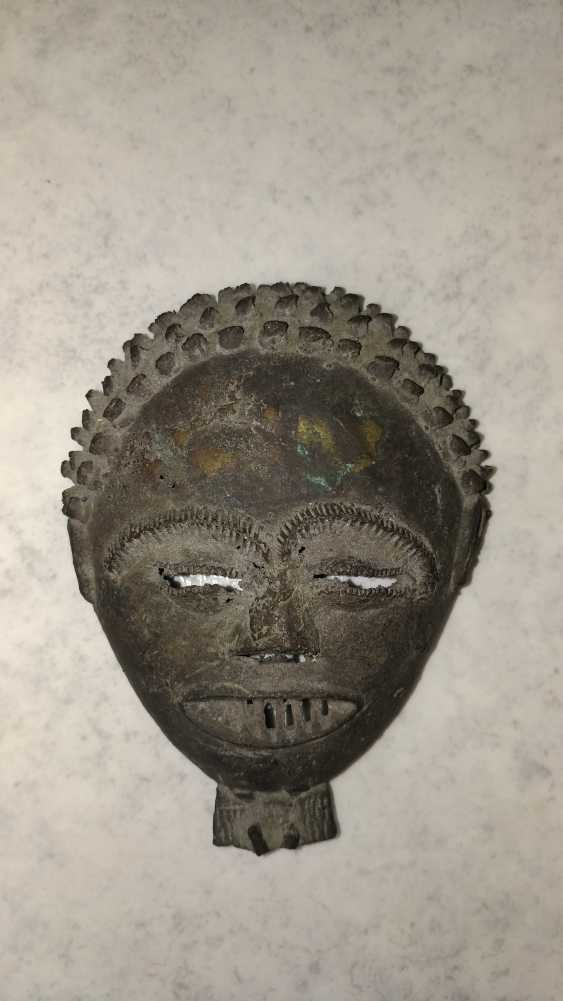 Antique bronze mask from the Congo to 1900-1910 Very rare! - photo 1