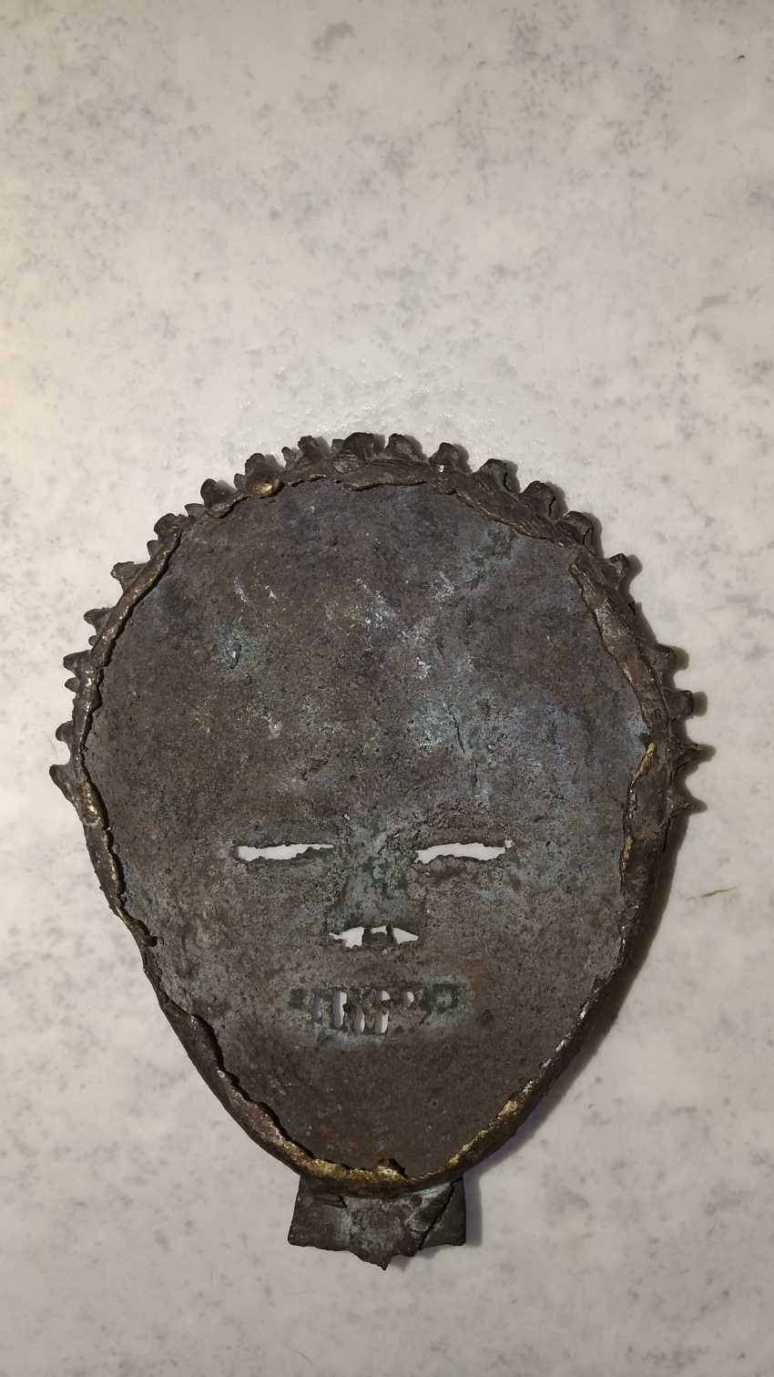 Antique bronze mask from the Congo to 1900-1910 Very rare! - photo 2