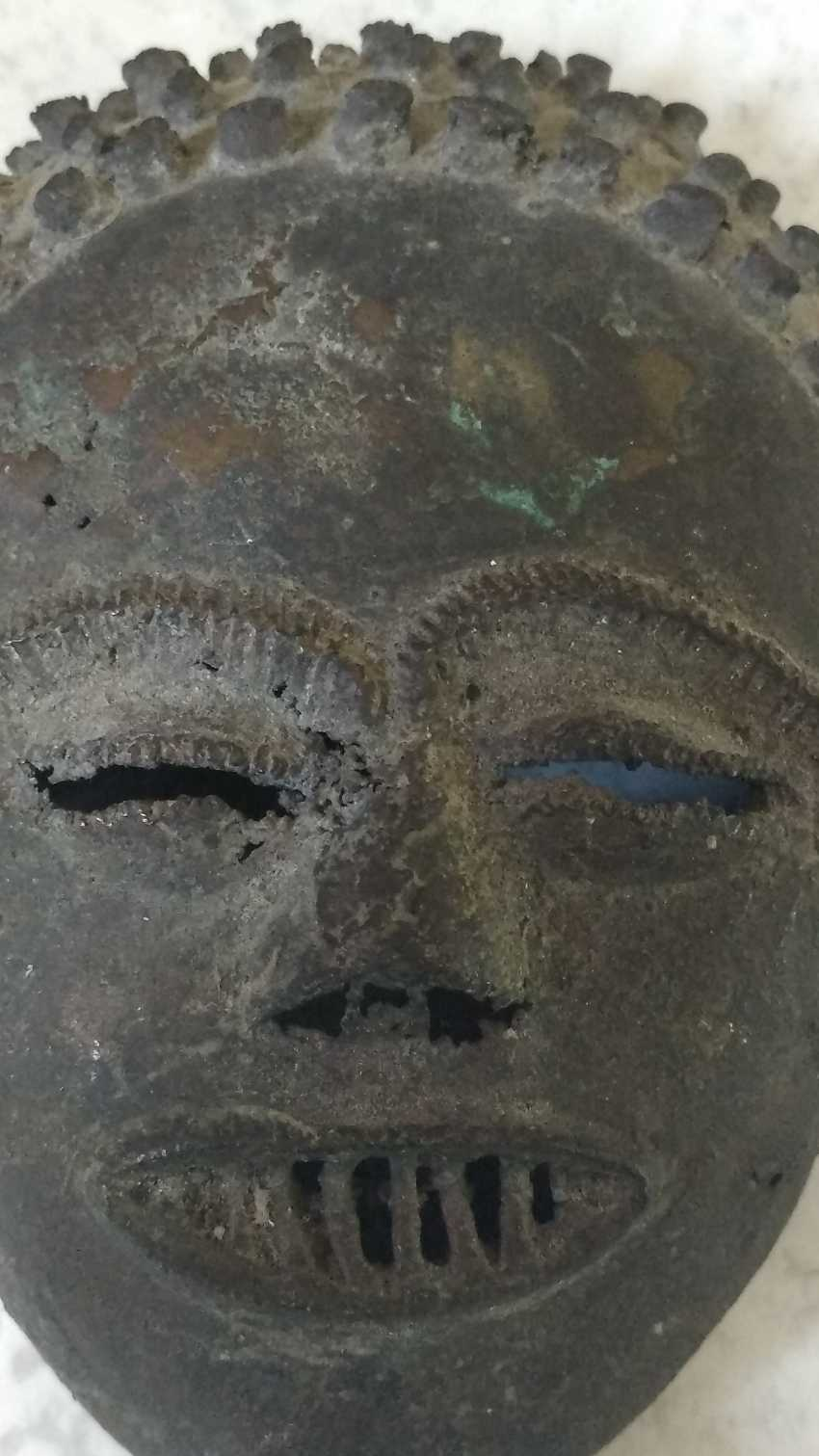 Antique bronze mask from the Congo to 1900-1910 Very rare! - photo 3