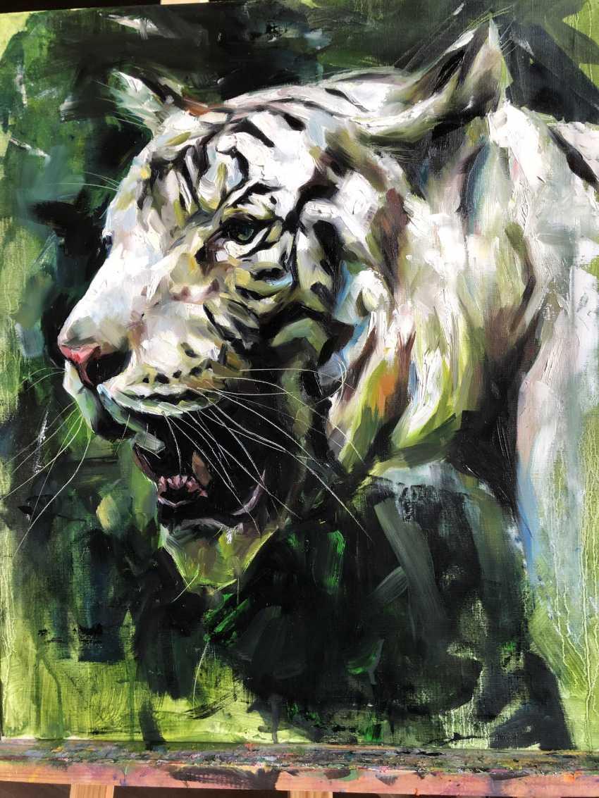 Katya M. Albino Tiger - photo 2