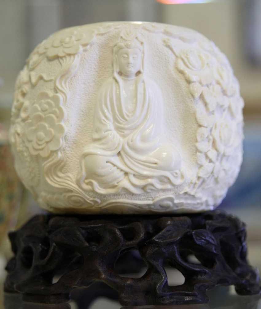 Настольное украшение из кости мамонта - фото 1