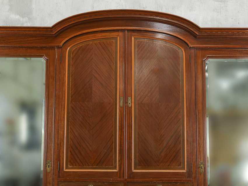 Armoire ancienne à trois portes - photo 4