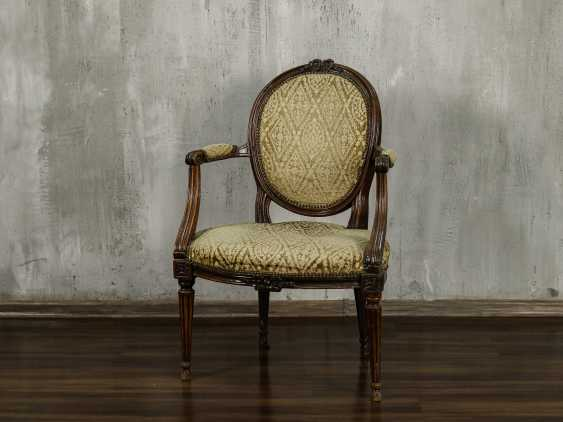 Antique carved armchair - photo 1