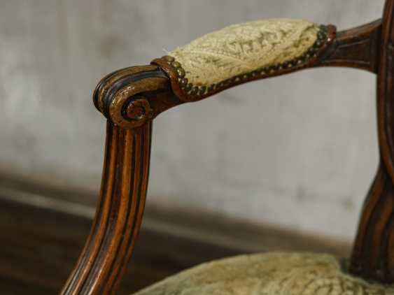 Antique carved armchair - photo 2