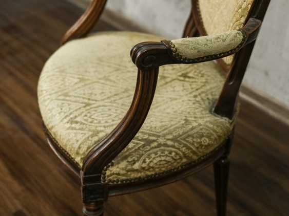 Antique carved armchair - photo 5