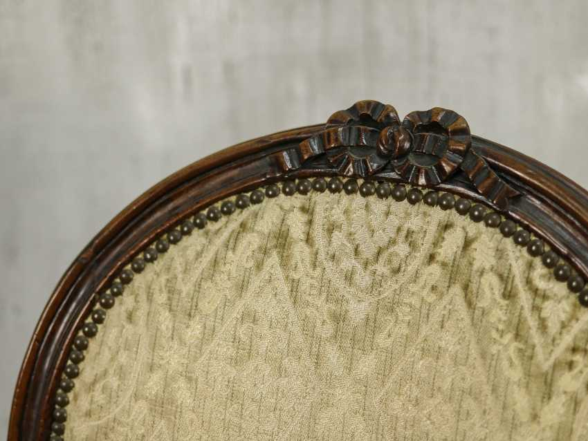 Antique carved armchair - photo 10