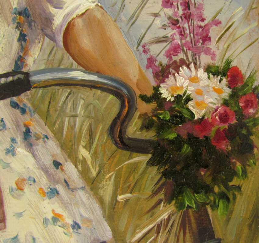 Девушка и велосипед - фото 4