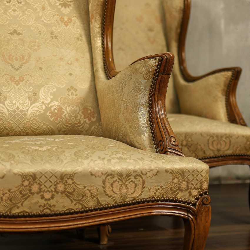 Trois fauteuils anciens - photo 3