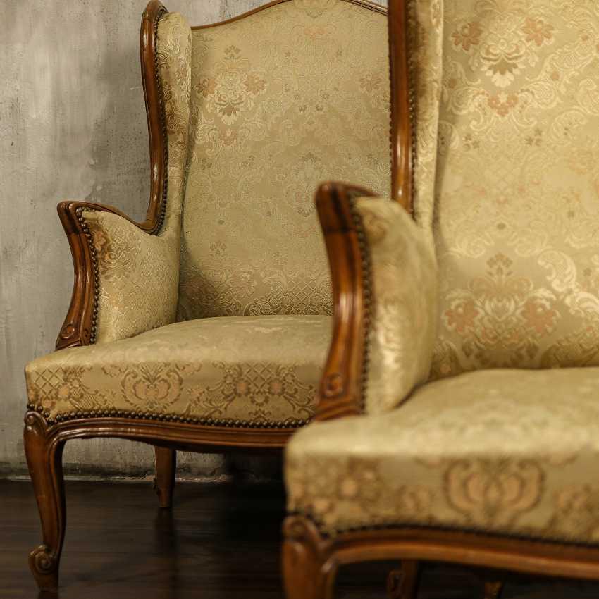 Trois fauteuils anciens - photo 4