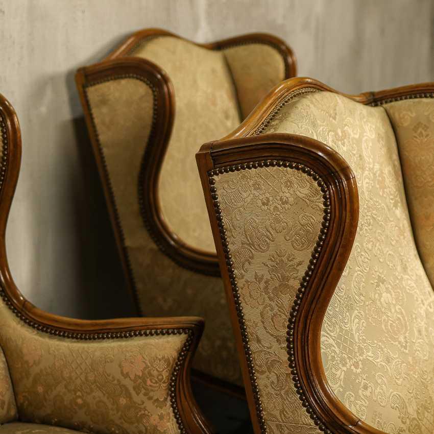 Trois fauteuils anciens - photo 7