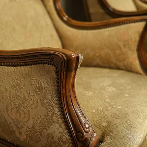 Trois fauteuils anciens - photo 8