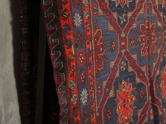 Antique single-sided lint-free carpet - photo 2