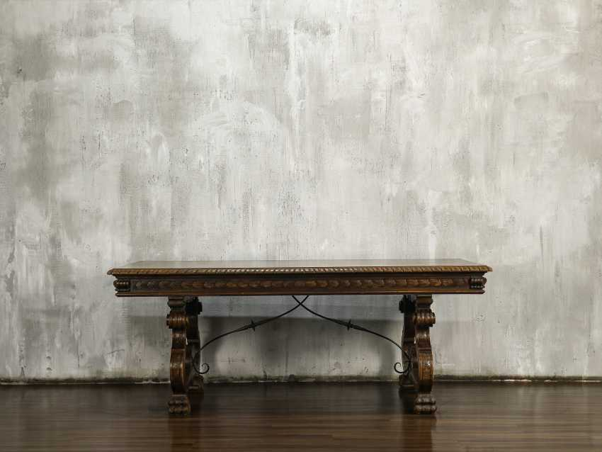 Antique carved dining table - photo 1