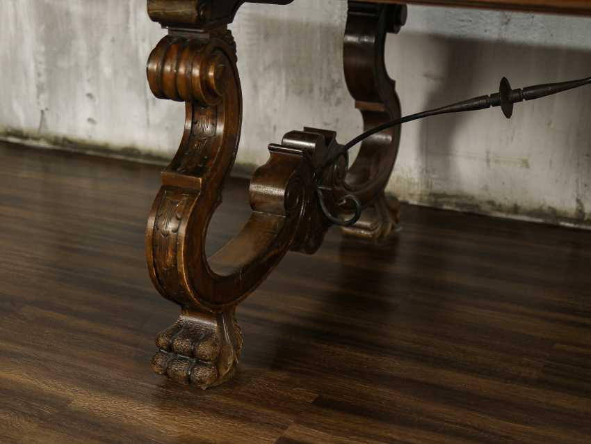 Antique carved dining table - photo 3
