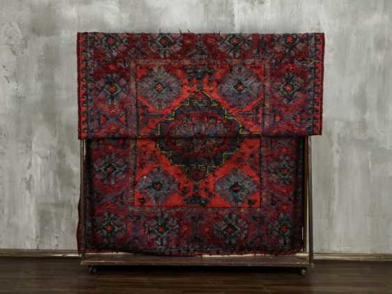 Antique single-sided lint-free carpet - photo 4