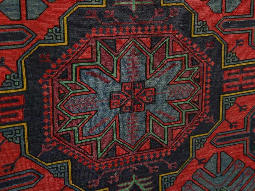 Antique single-sided lint-free carpet - photo 6