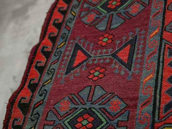 Antique single-sided lint-free carpet - photo 7