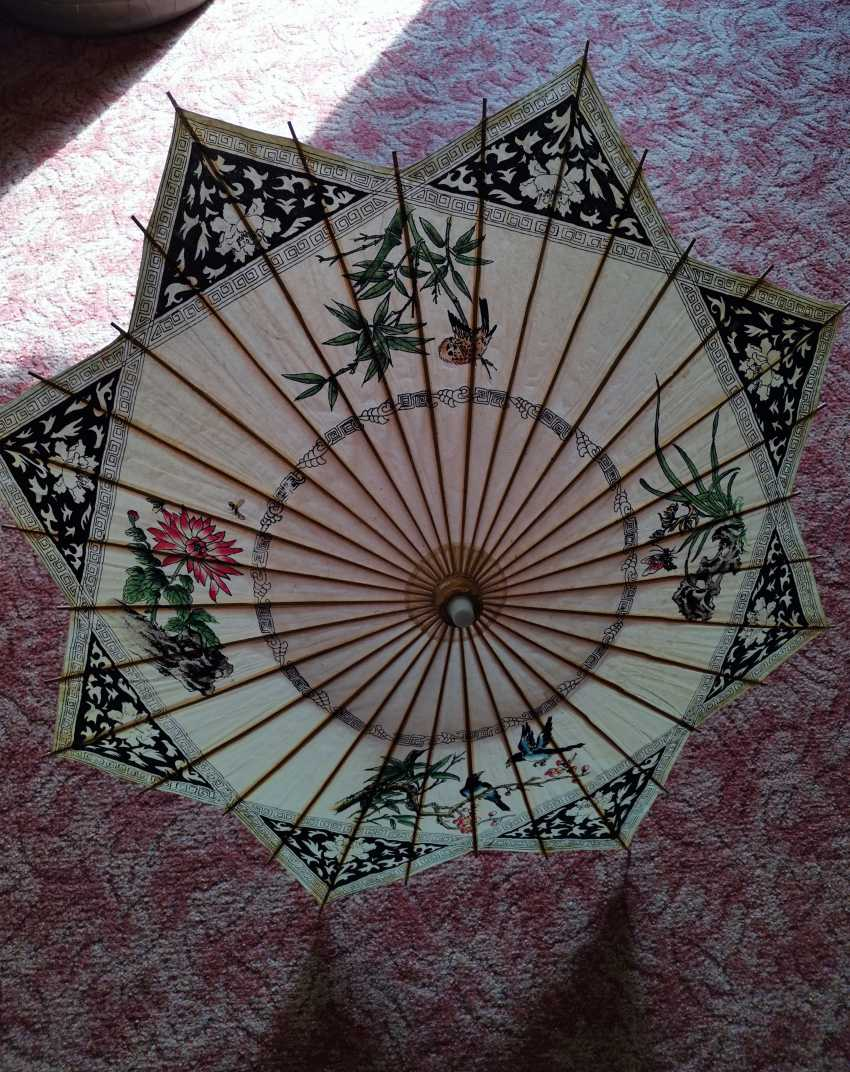 Antique umbrella from China. Bamboo and rice paper - photo 1