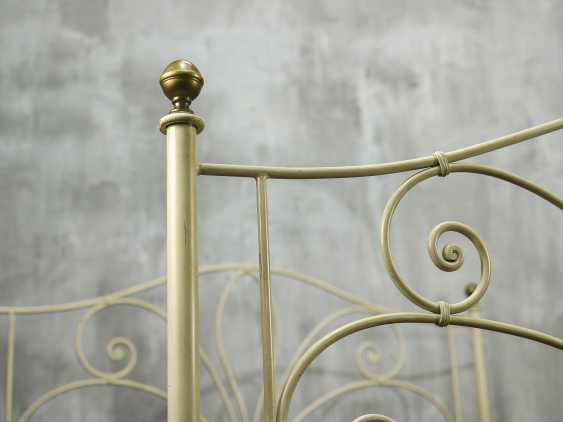Antique metal bed - photo 5