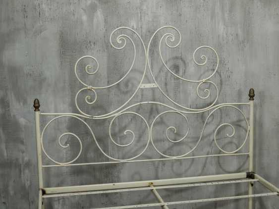 Antique metal bed - photo 9
