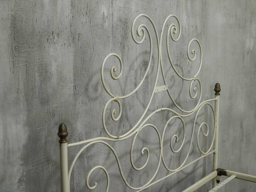Antique metal bed - photo 10