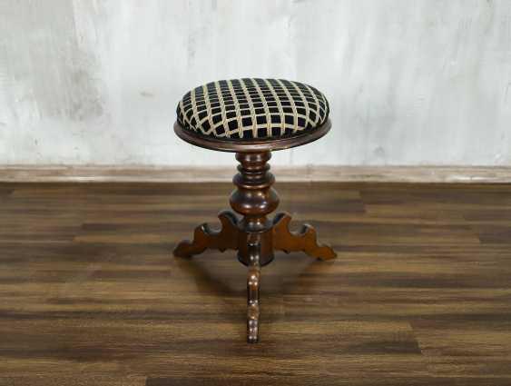Antique stool - photo 1
