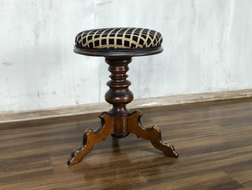 Antique stool - photo 2