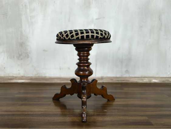 Antique stool - photo 3
