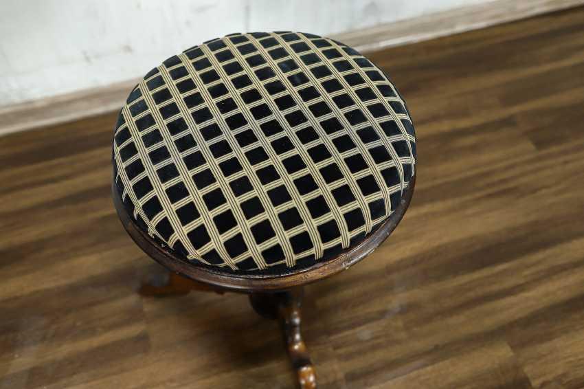 Antique stool - photo 6