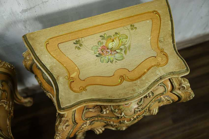 Pair of vintage bedside tables - photo 7