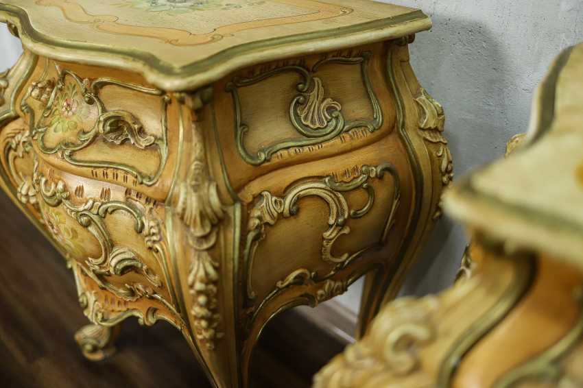 Pair of vintage bedside tables - photo 9