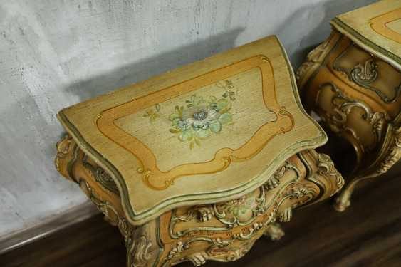 Pair of vintage bedside tables - photo 10