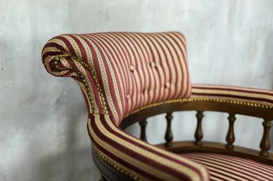 Pair of antique armchairs - photo 2