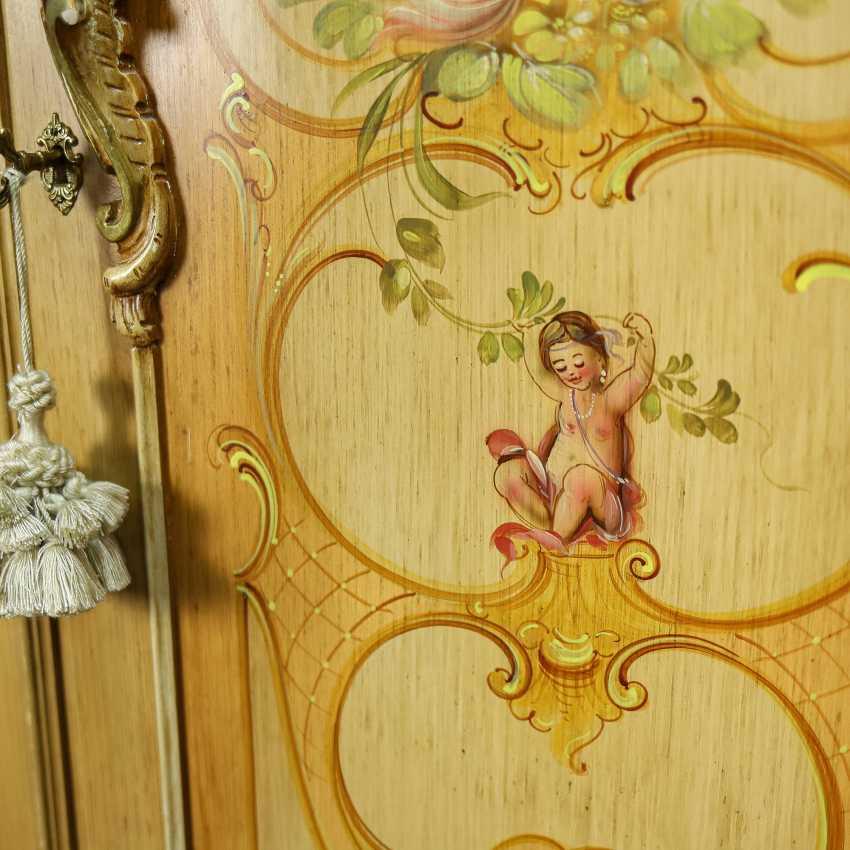 Antique six door wardrobe - photo 4