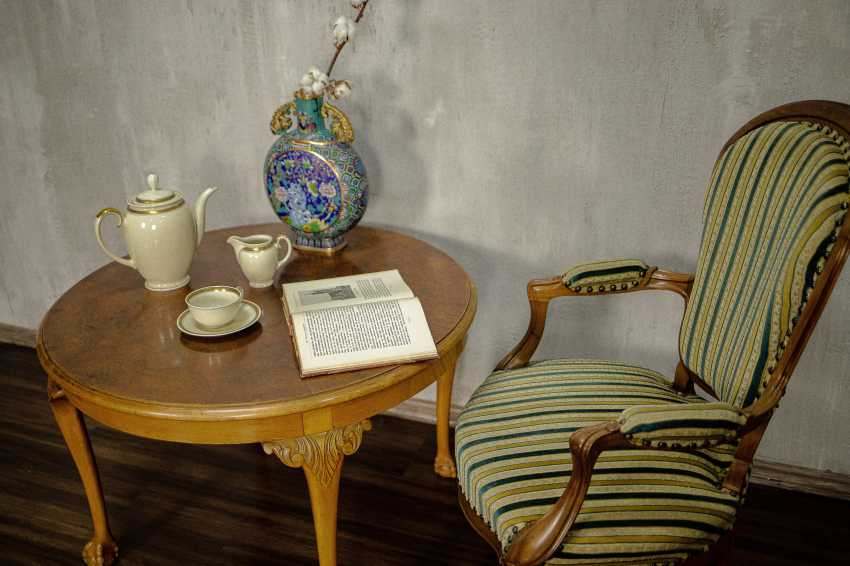Antique coffee table - photo 8