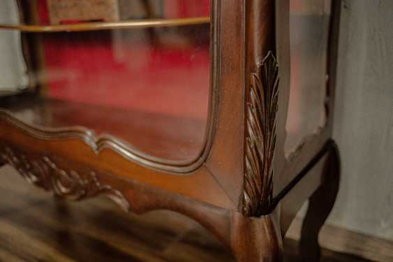 Antique carved showcase - photo 4