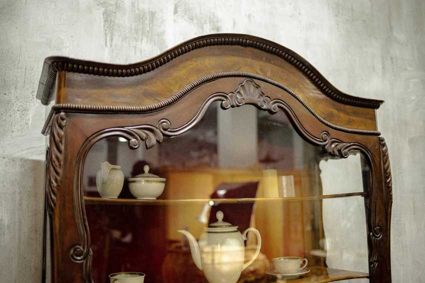Antique carved showcase - photo 5