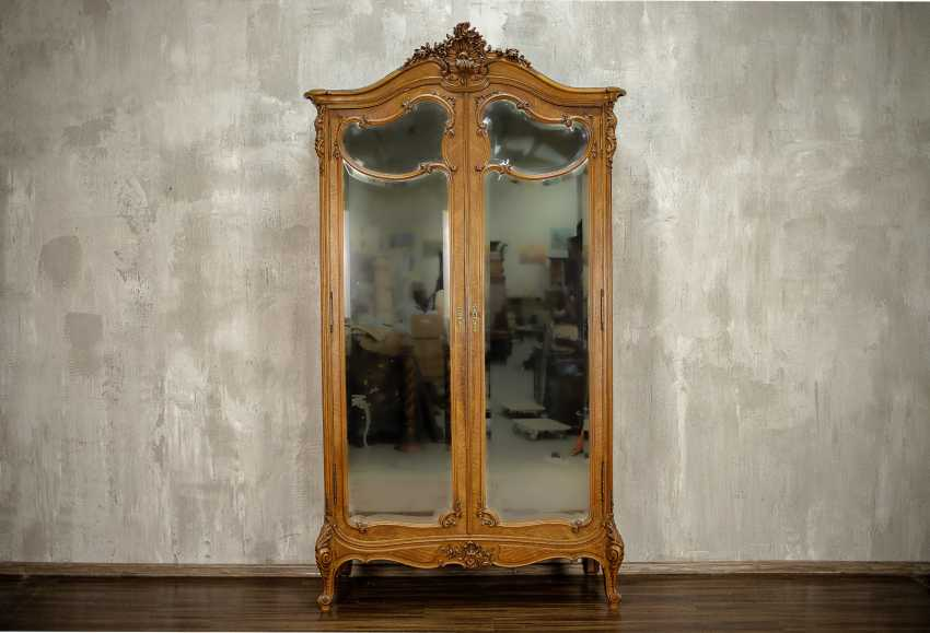 Antique double wardrobe - photo 1