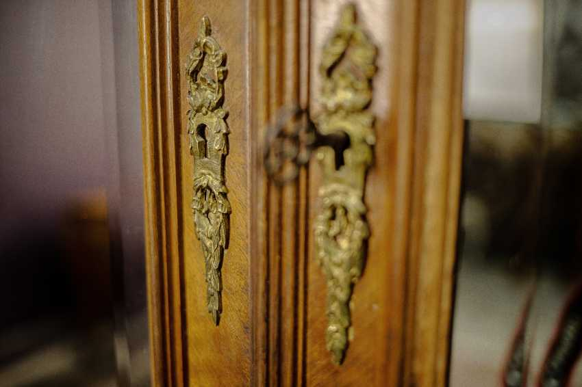 Antique double wardrobe - photo 10