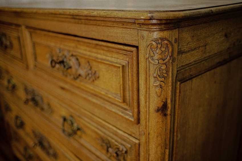 Antique carved chest of drawers - photo 6