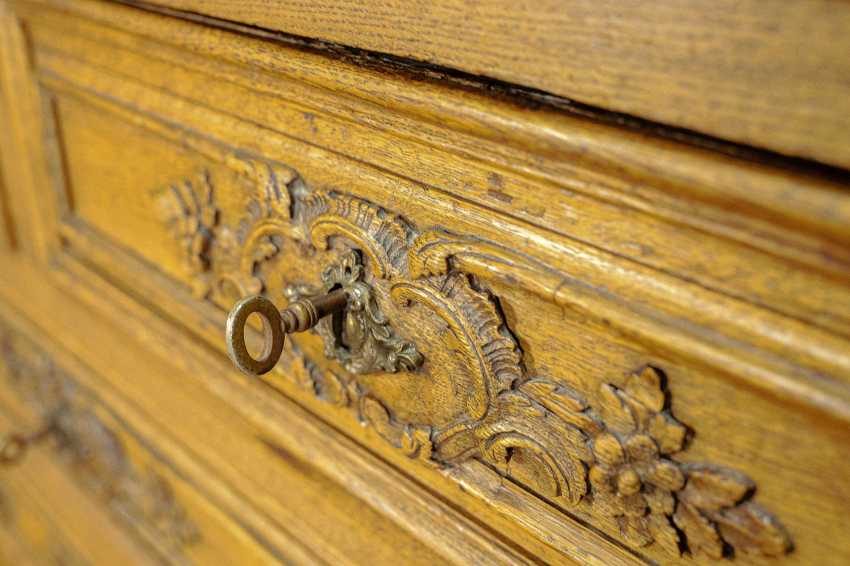 Antique carved chest of drawers - photo 9
