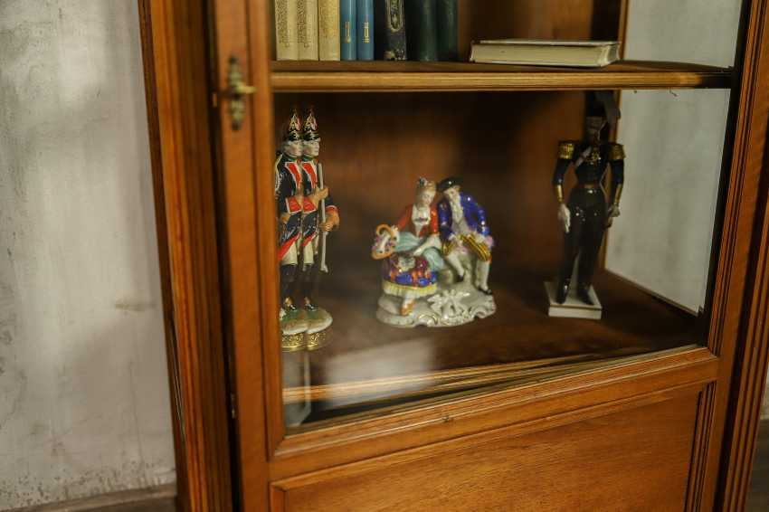 Antique showcase - photo 6