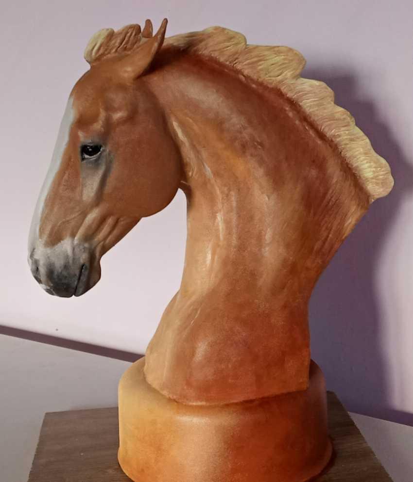 Bayarma Dashiyeva. Horse bust sculpture - photo 4