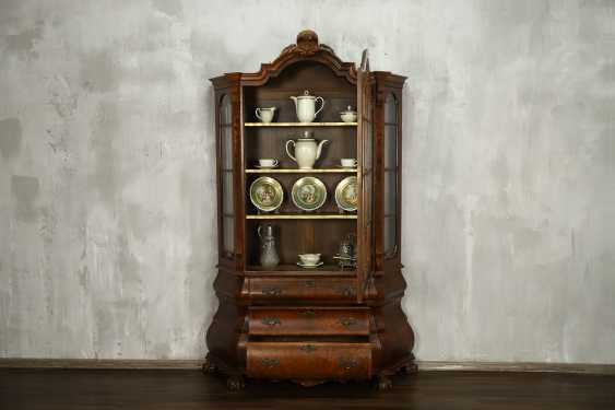 Antique showcase - photo 2
