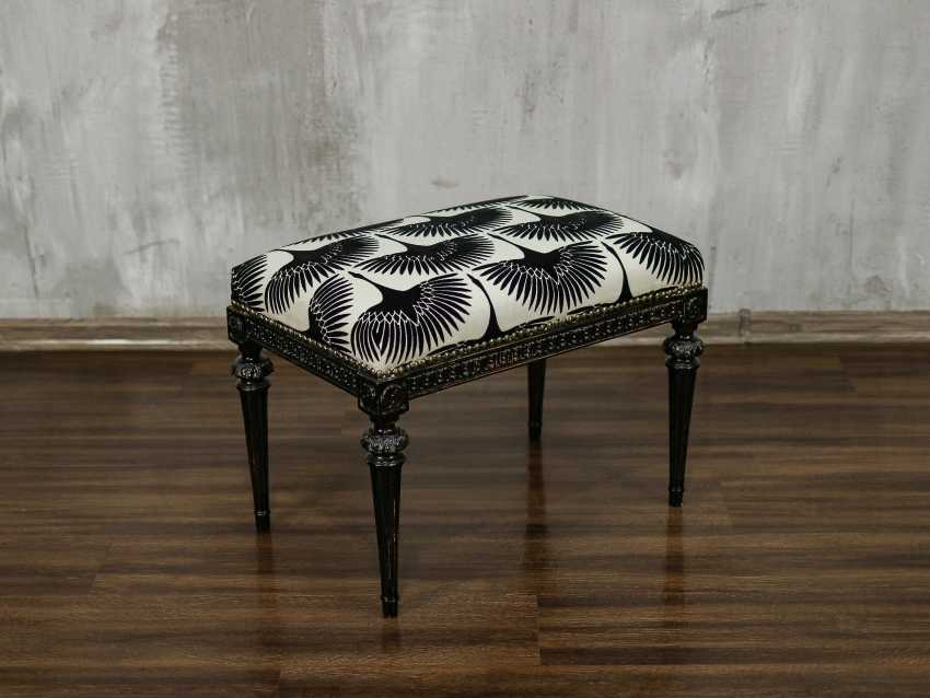 Antique carved bench - photo 1