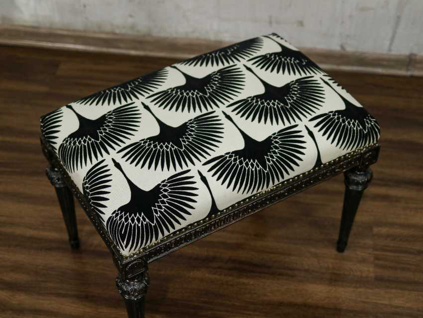 Antique carved bench - photo 2