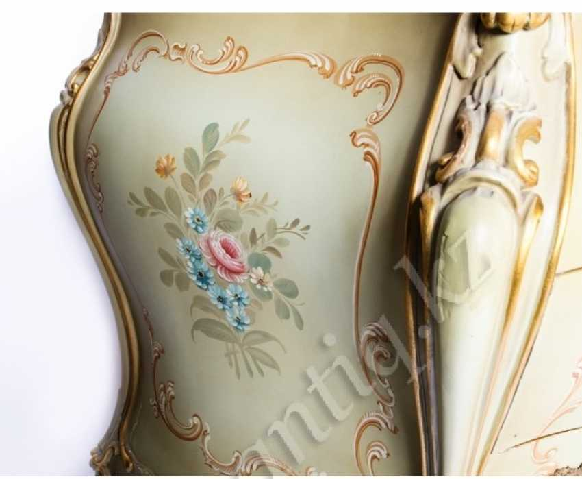 Chest of drawers-the secretaire is in the style of neo-Rococo - photo 3