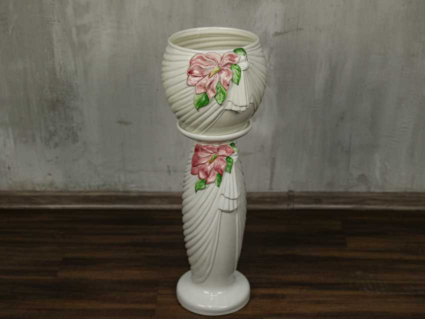 Vintage pots on a stand - photo 2